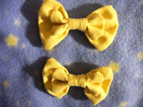 Mini Pastel Yellow Bows by SweetBeeps