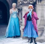 Anna and Elsa Cosplay (Frozen) by Lisa-Lou-Who