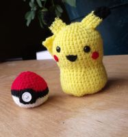 Pikachu and his pokeball by LiebeTacos