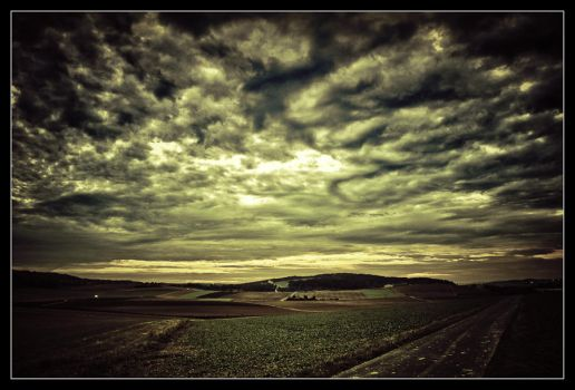 Cloudy day by JimP4nsen