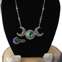 Triple moon necklace with aventurine beads - Witch by Nyjama