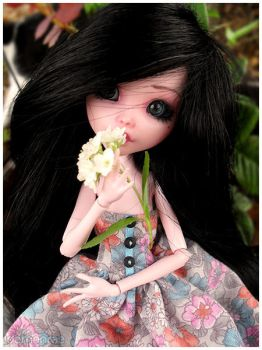 MH - Flower Child by demonrae-dolls