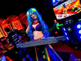Arcade Sona Plays Pump it Up! by SNTP