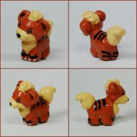 Mini Growlithe Sculpture