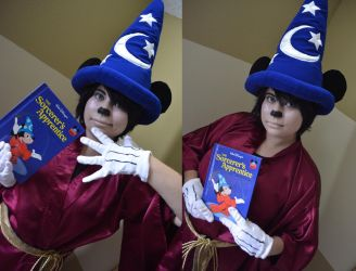 Disney Sorcerer Mickey Cosplay by YamiKlaus
