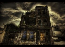 Do you like scary movies HDR by ISIK5