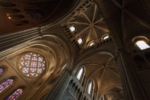 Lausanne's Cathedral by TrollDuNord