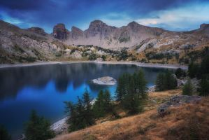 Allos Lake by FlorentCourty