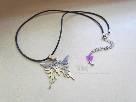 Madama Butterfly - Bayonetta Inspired Necklace by thingamajik
