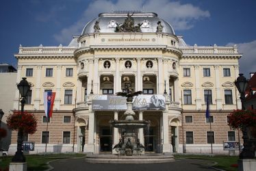 Slovakian National Theatre by DamaInNero