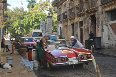 Daily life in old town of Havanna by guinever87