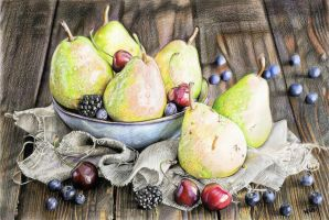 Pears by cherrymidnight