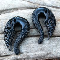 Celtic Ravens - Carved Jet Gauged Talon Earrings by Wyrdhaven