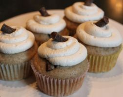 Chunky Monkey Cupcakes by Deathbypuddle
