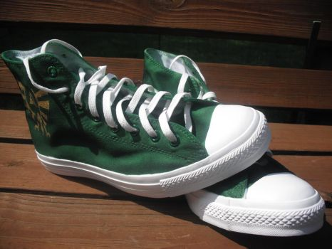 Legend of Zelda Chucks 2 by kasandramurray