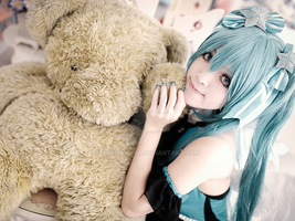 Hatsune Miku Cosplay by ImmiSakuya