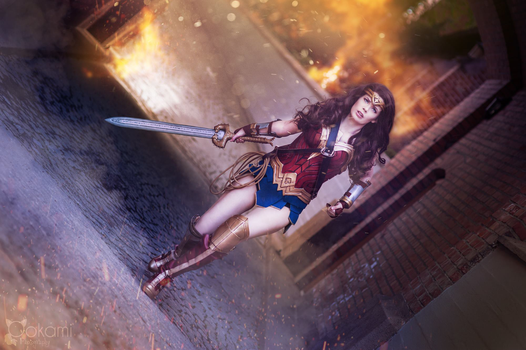 Wonder Woman / Justice League - Into Battle! by TineMarieRiis
