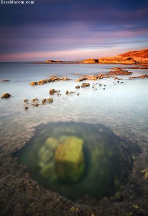 Hole in the Shallows by erezmarom