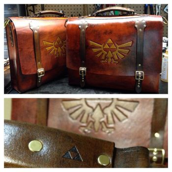 Zelda messenger laptop bag by Skinz-N-Hydez