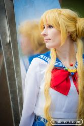 Usagi Cosplay - Reflection by unikorn