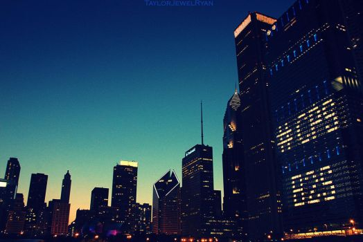 Downtown Chicago by TaylorJewelRyan