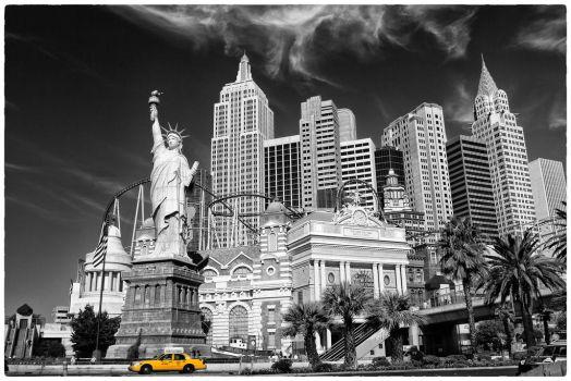 Vegas : The Strip vs The Cab by Durdenyr