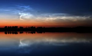Dubna noctilucent clouds by astrofireball
