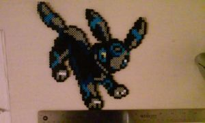 Shiny Umbreon Sprite by MiscMerch