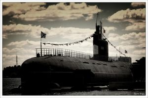 submarine by Gont