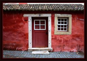 Queluz Old House by FilipaGrilo