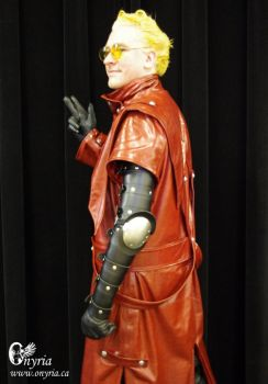 Vash the Stampede Cosplay - Side by Onyria-mode