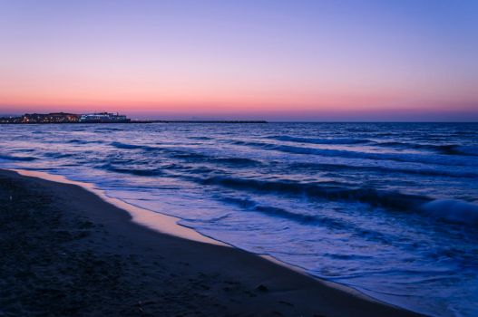 Evening at the beach by Lango77