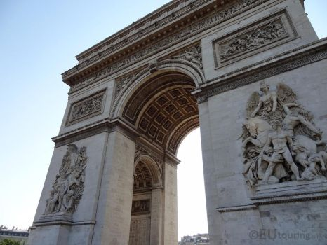 Looking up to the Arc de Triomphe by EUtouring