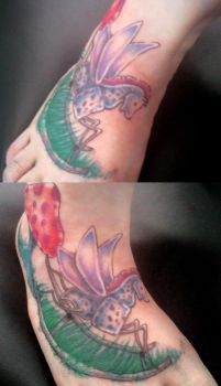 freehand foot coverup by Tripl3x6roovy