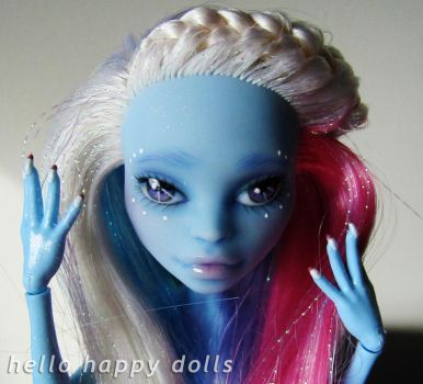 monster high abbey repaint 1 by hellohappycrafts