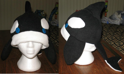 Orca hat - Because Orcas need love too! by xean45