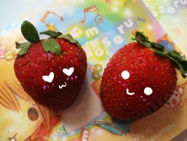 Cute Strawberries II by feiyan