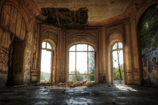 Urbex : Castle of Bonnelles by exkub