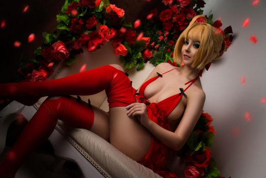 Fate/Extra - Saber Nero boudoir cosplay by Disharmonica