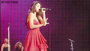 Gif Selena Gomez - Concert by OnlyImMirian
