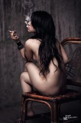 'Smokin' Lady' by erwintirta