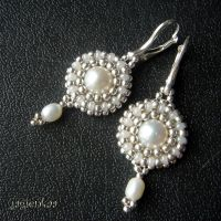 Pearl Tresures earrings by jagienkaa