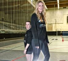 Tall Volleyball player compare (USC) by lowerrider