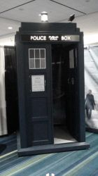 The TARDIS by Neville6000