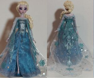 The cold anyway - Elsa OOAK Doll by lulemee