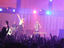 Paramore 20th November 2010 by ElectricXfighter