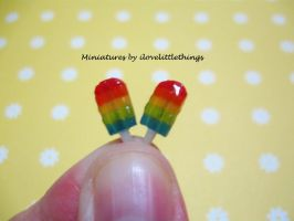 Miniature Rainbow Popsicles by ilovelittlethings
