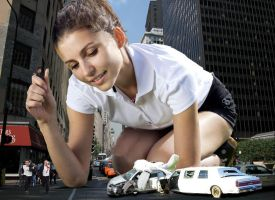 Giantess play with car by GregStan