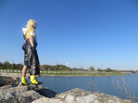 Tidus look to the sea by Vamp-Wolf-Everdain