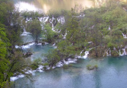 The Waterfalls World by Luin-Tinuviel